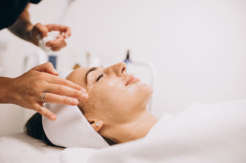 beneficios de una limpieza facial | Salón Belleza Lourdes